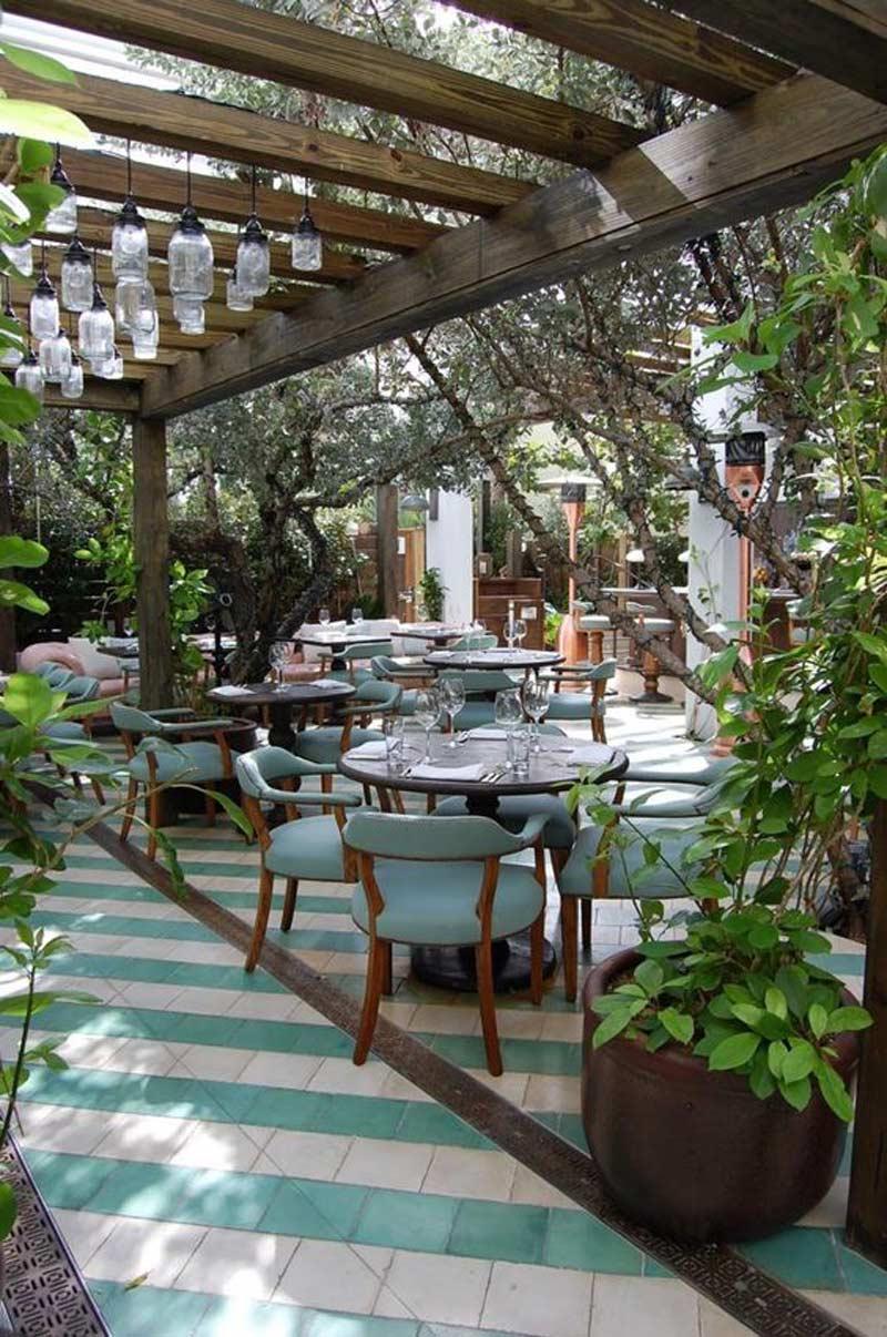 cảnh quan nhà hàng sân vườn