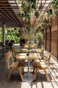 màu sắc trong nhà hàng sân vườn