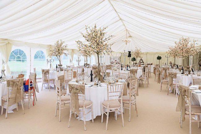 Phong cách thiết kế nhà hàng tiệc cưới Địa Trung Hải là một hơi thở mới, mang đến những cảm xúc tươi trẻ cho nhà hàng của bạn.