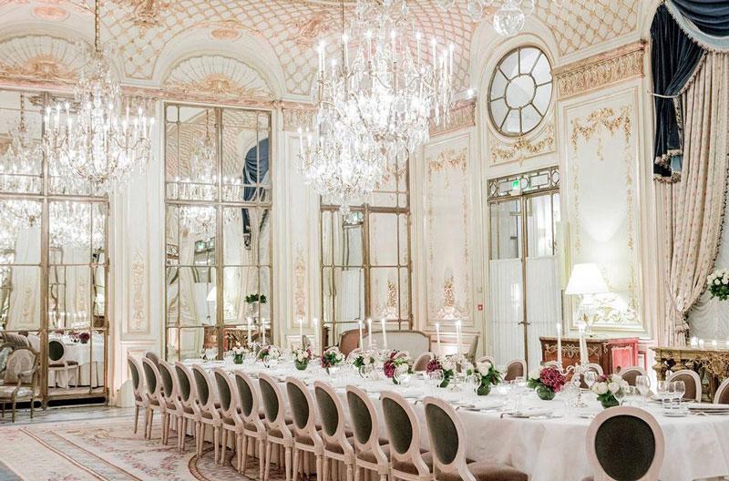 phong cách thiết kế nhà hàng tiệc cưới tân cổ điển
